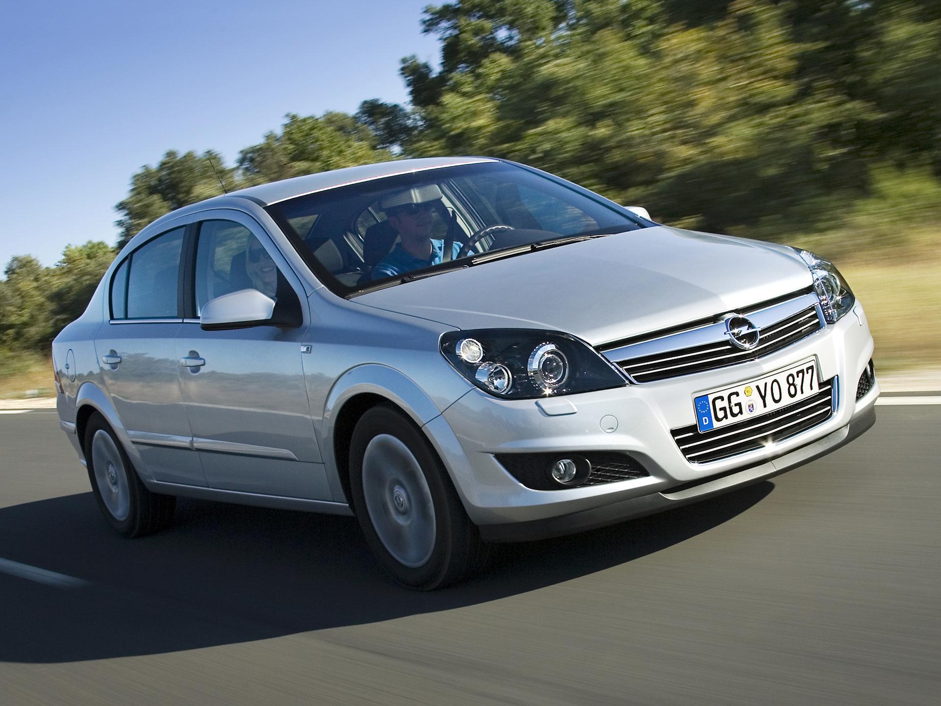 Opel Astra H — описание модели