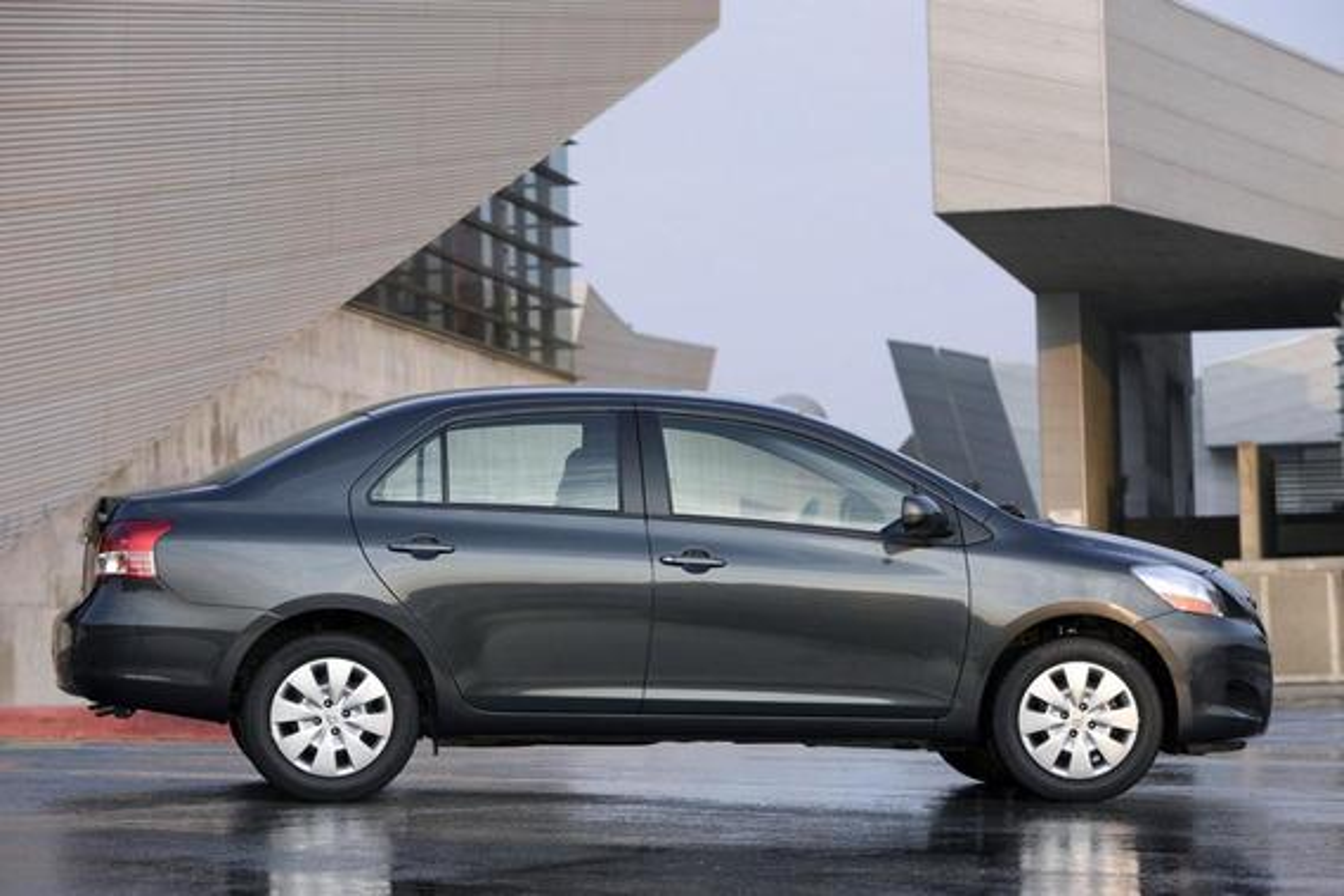 Toyota Yaris — описание модели