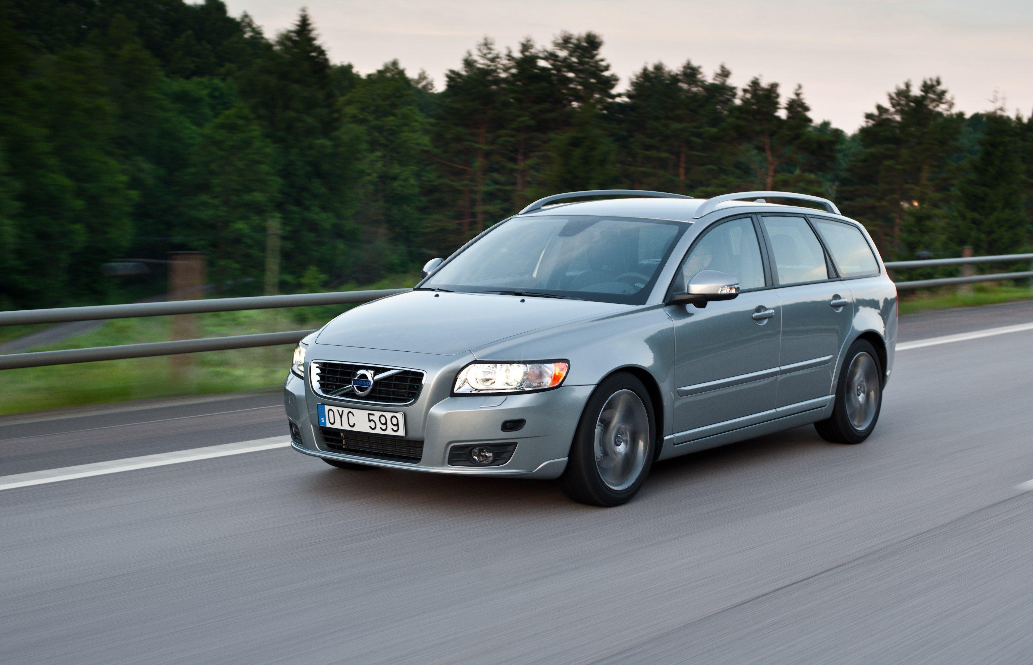 Volvo V50 — описание модели