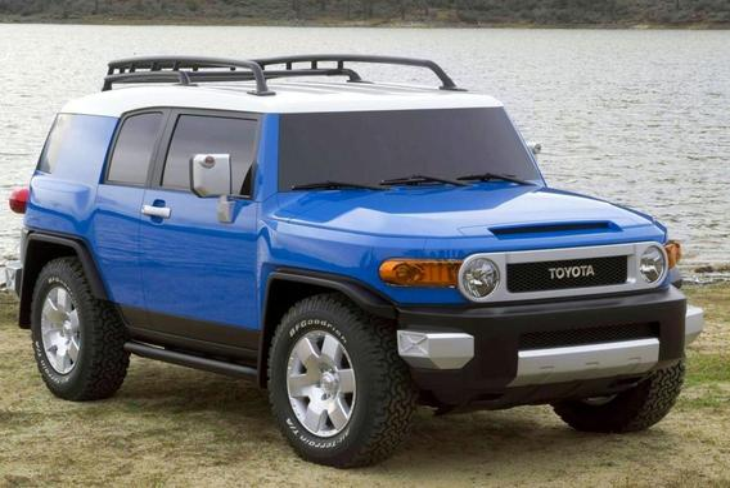 Toyota FJ Cruiser — описание модели