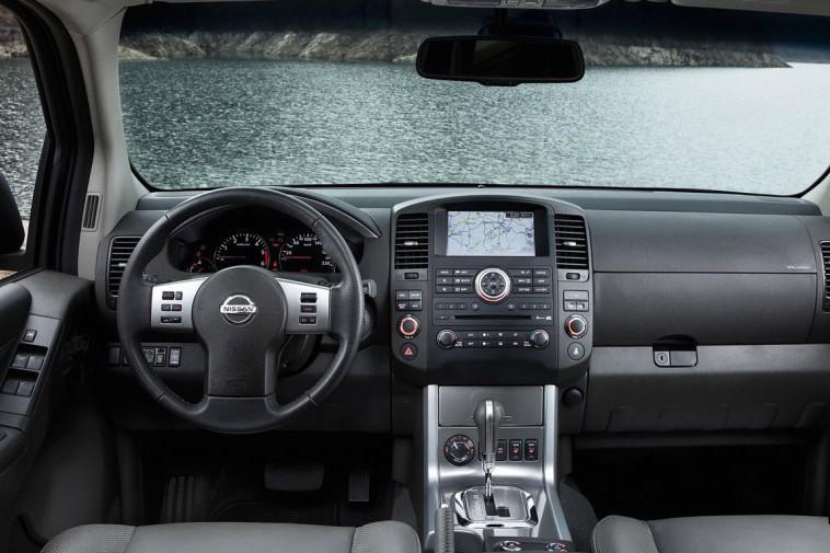 Nissan Pathfinder — описание модели
