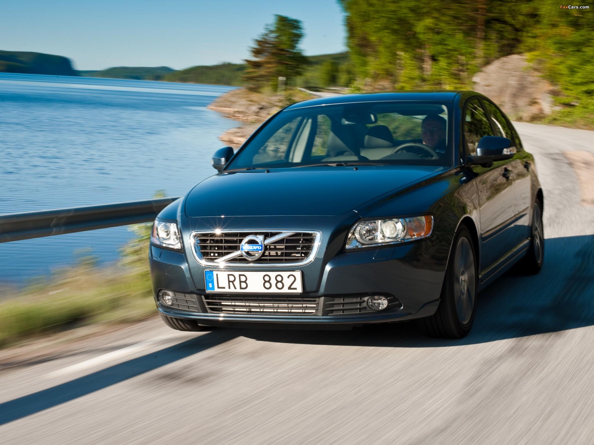 Volvo S40 — описание модели