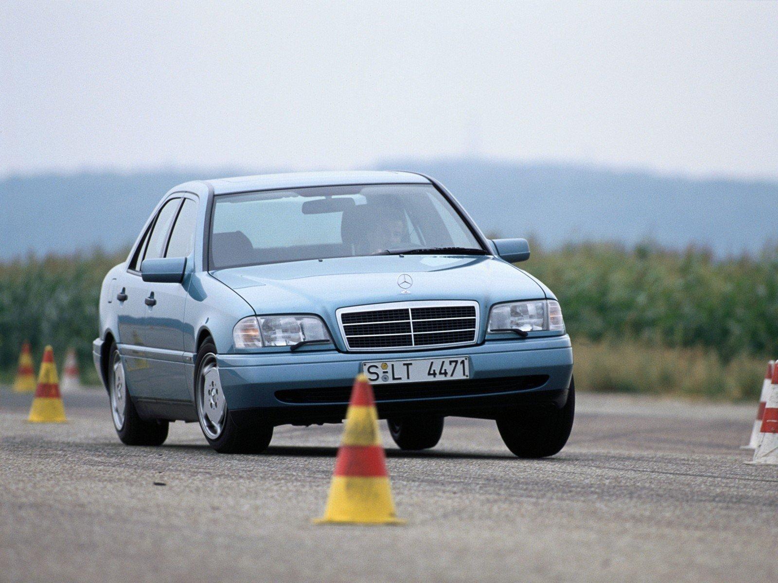 Mercedes-Benz C-Class (W202) — описание модели