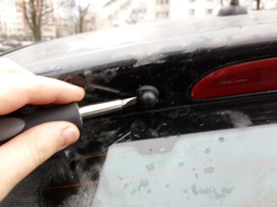 Устранение скрипа решетки лобового стекла Opel Astra J