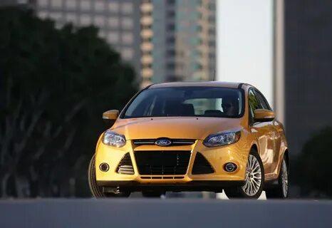 Мерцают заводские дневные ходовые огни Ford Focus 3