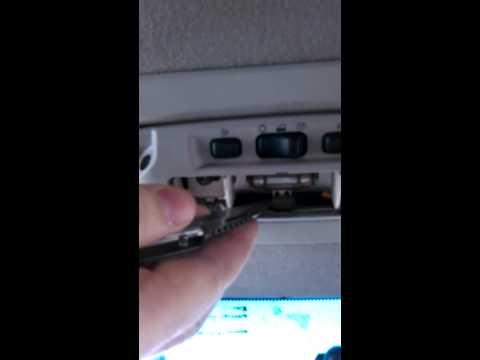 Снятие плафона освещения салона Ford Focus 3