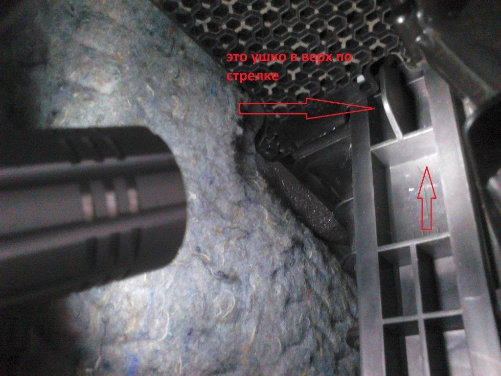Особенности замены салонного фильтра на Nissan Teana