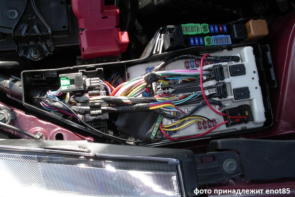 Причина повышения оборотов при включении фар на Nissan Teana