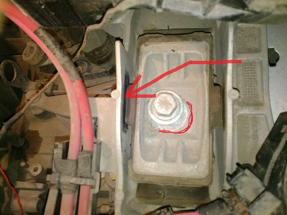 На холостых оборотах появляется тарахтящий звук в МКПП Renault Fluence