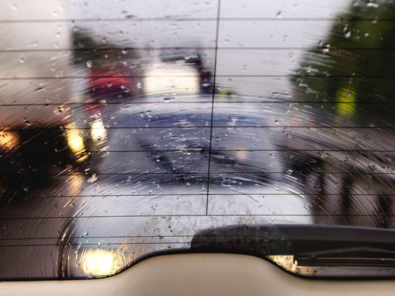 Что делать, если запотевают стекла на Renault Logan?