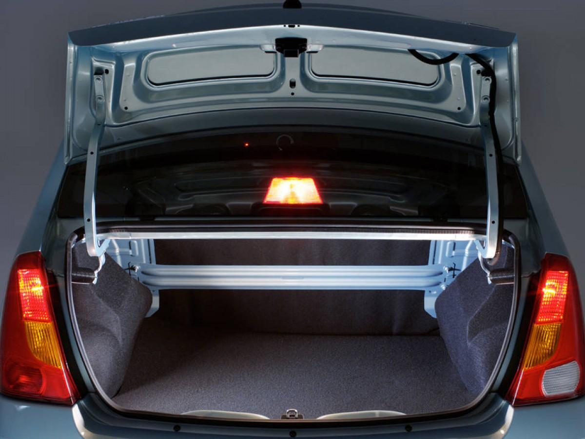 Как бороться с конденсатом в багажнике Renault Logan?