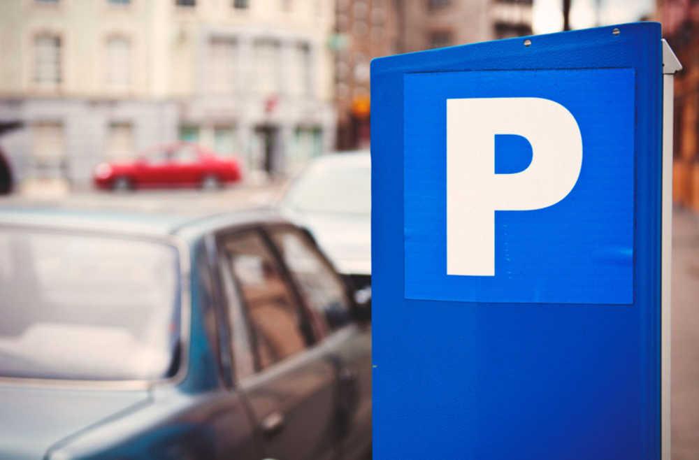 Плюсы и минусы платной парковки