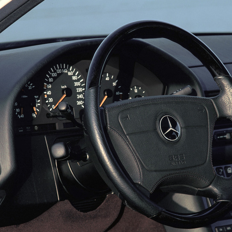 Mercedes-Benz S600 (W140)