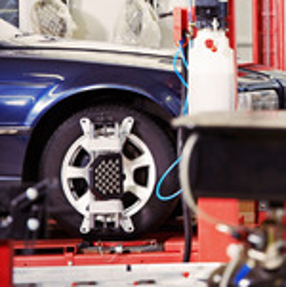 Рекомендованные углы развала-схождения передней подвески Nissan Teana фото