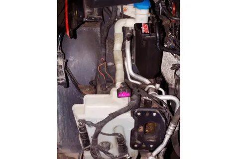 Отсутствие индикатора уровня омывающей жидкости в Mitsubishi Outlander XL