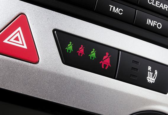 Есть ли подсветка кнопки аварийной сигнализации на Kia Sportage III?