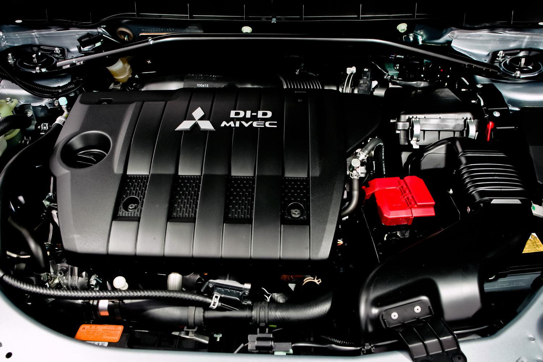 Вытекает масло из двигателя Mitsubishi Outlander XL