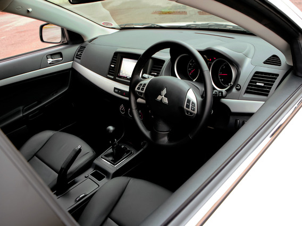 Ремонт штатной магнитолы Mitsubishi Lancer X