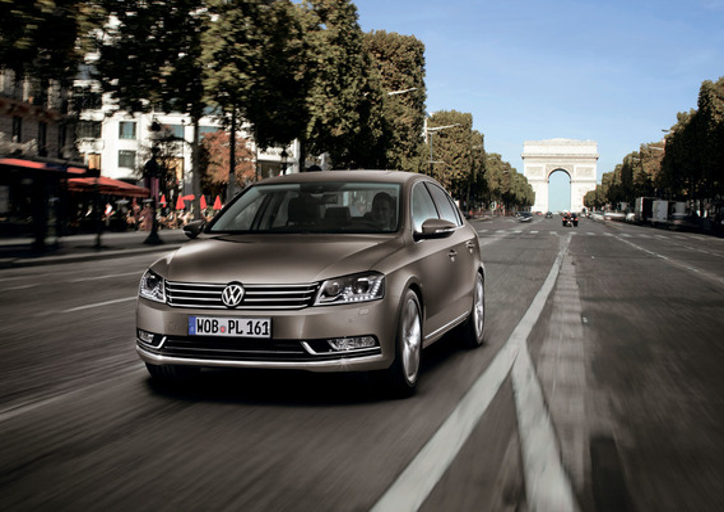 Вздутие покрытия на хромированных деталях кузова VW Passat B7