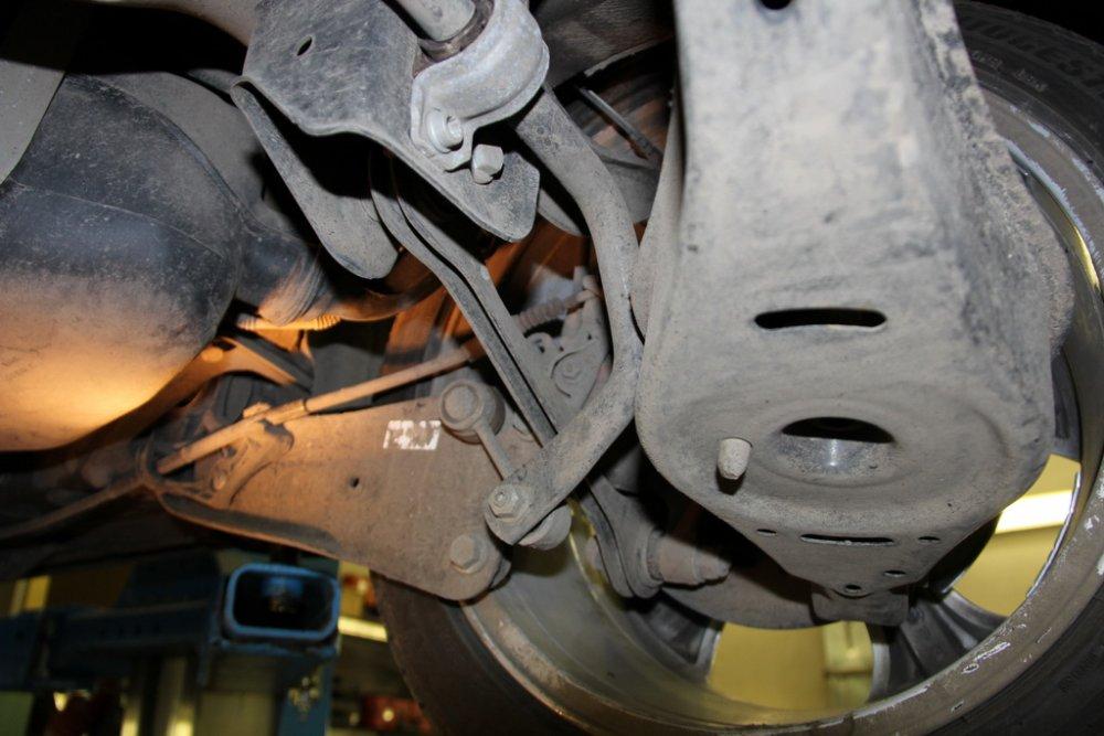Стук подушки КПП VW Tiguan