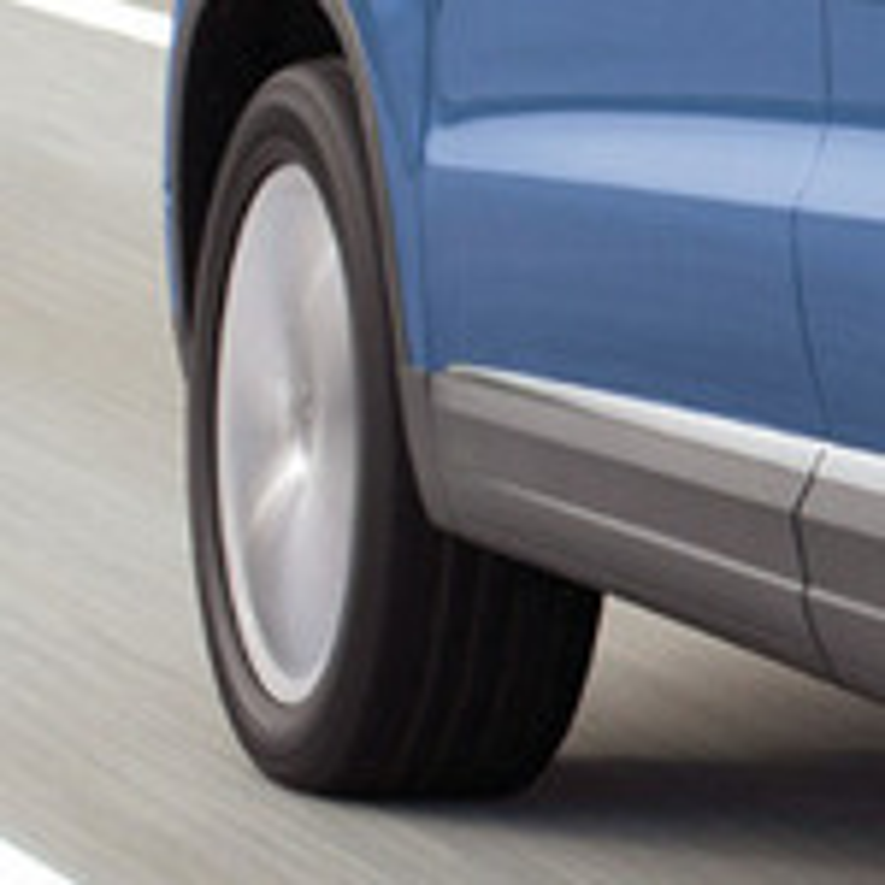 Оригинальные и неоригинальные  брызговики VW Tiguan фото