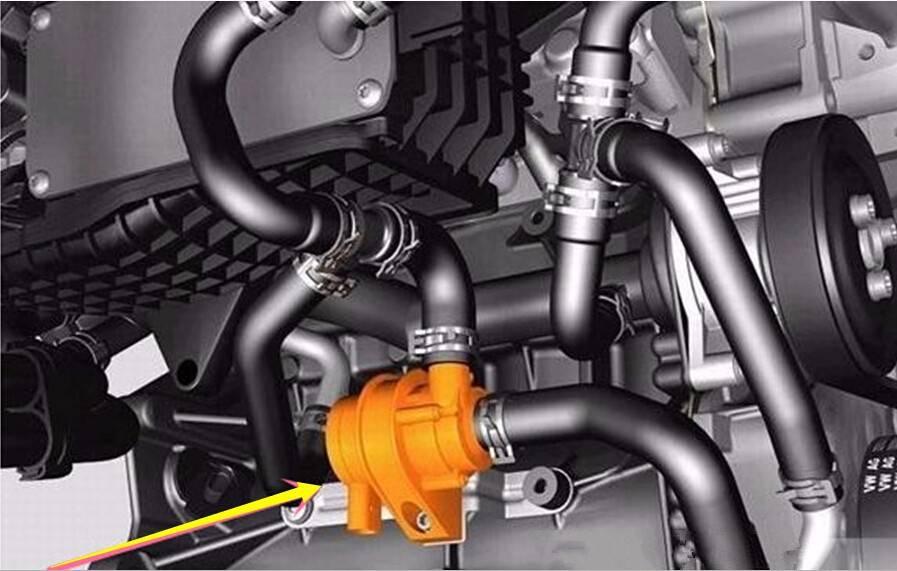 Следы масла на патрубках около турбины на моторе 2.0 TSI на VW Tiguan