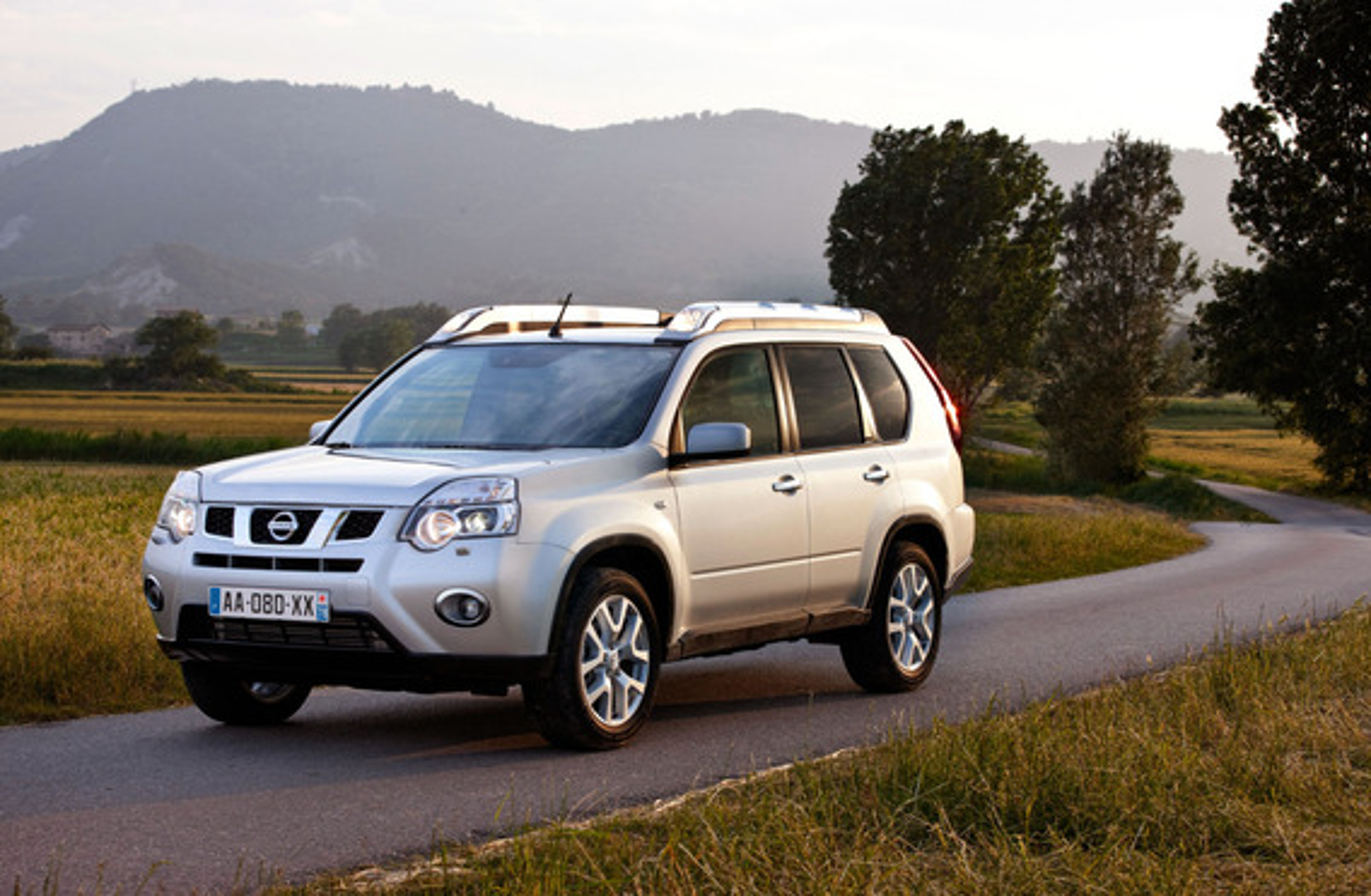 Возможные неполадки штатных ксеноновых фар на Nissan X-Trail 2