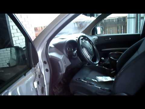 Демонтаж обшивки двери Nissan X-Trail 2