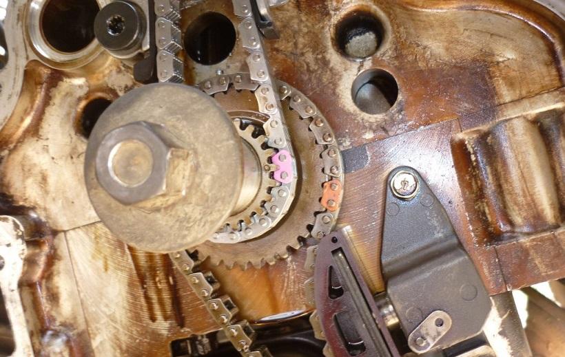 Нужно ли менять цепь ГРМ на Nissan X-Trail 2?