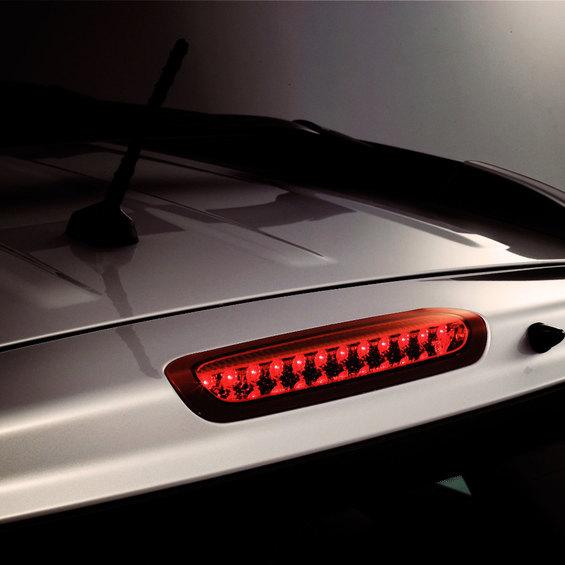 Как заменить лампу в дополнительном стоп-сигнале KIA Cerato II? фото