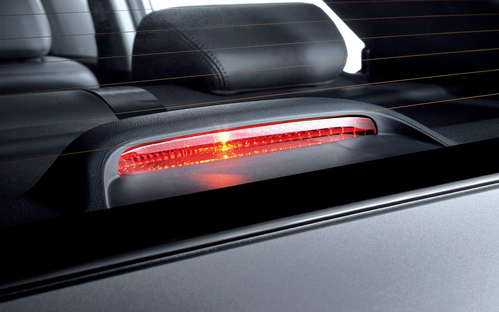 Установка светодиодных блоков в задние фонари KIA Cerato II