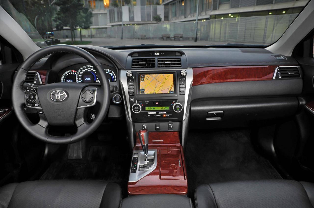 Как включить парктроник в Toyota Camry VII