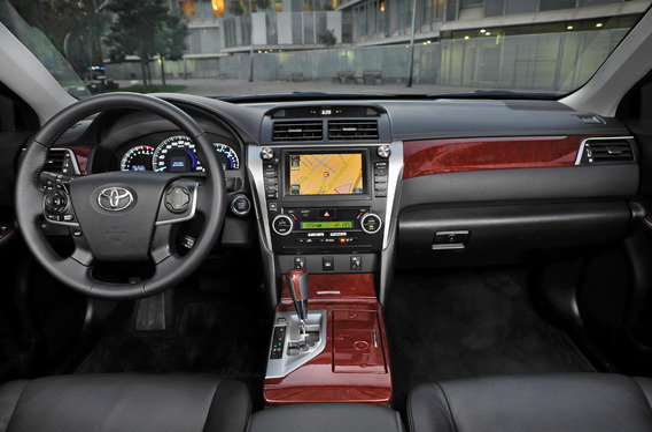 Как избавиться от запаха плесени в салоне Toyota Camry VII