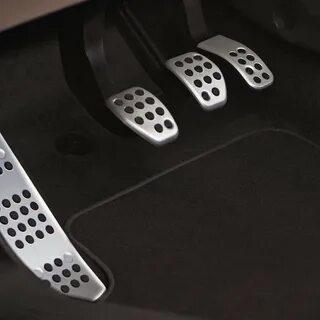 Как сделать подсветку педалей в Toyota Camry VII фото