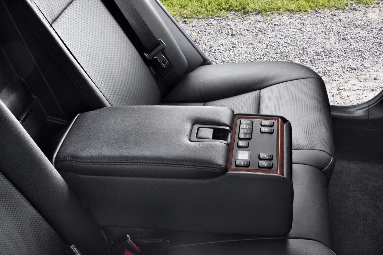 Как отключить сигнал непристегнутого ремня безопасности в Toyota Camry VII