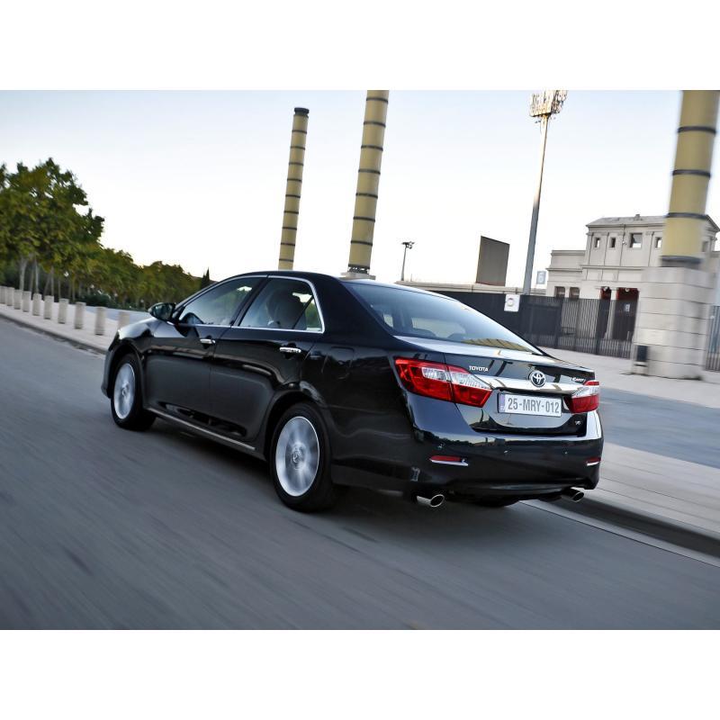 Посторонние звуки в подвеске и вибрация на руле Toyota Camry VII при переезде через препятствие фото