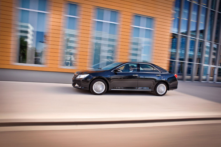 Есть ли на Toyota Camry VII буксировочные кольца или отверстия для них?