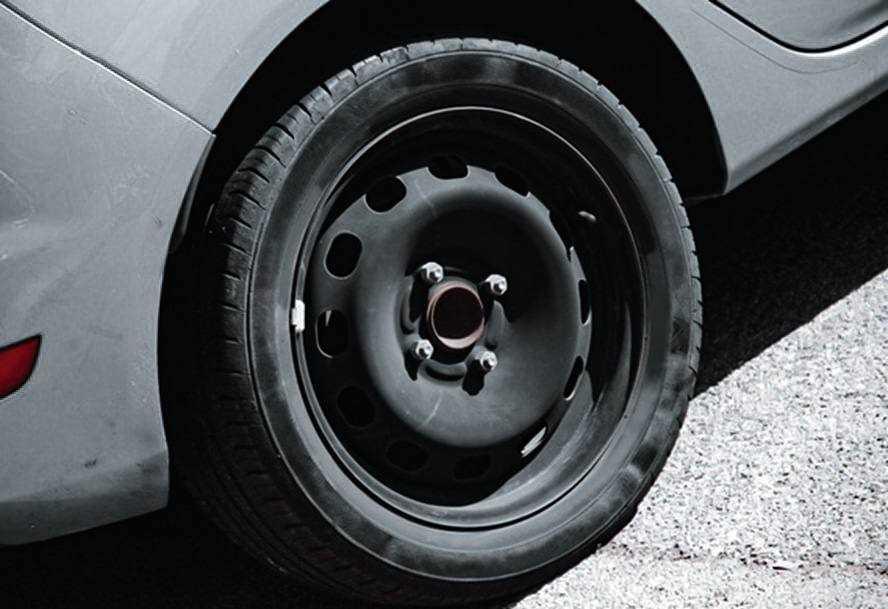 Может ли полноразмерное колесо поместиться в нишу для докатки Chevrolet Lacetti