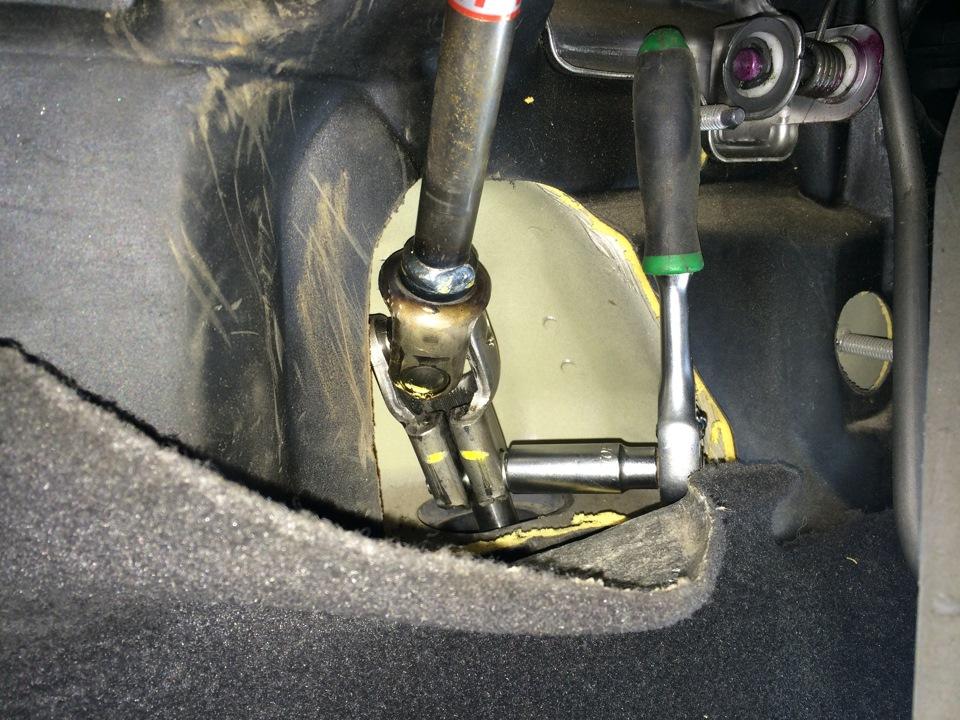 Есть ли блокиратор на рулевой вал для Chevrolet Lacetti?