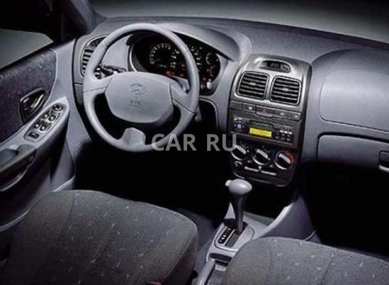 Как зафиксировать коврики в салоне Hyundai Accent