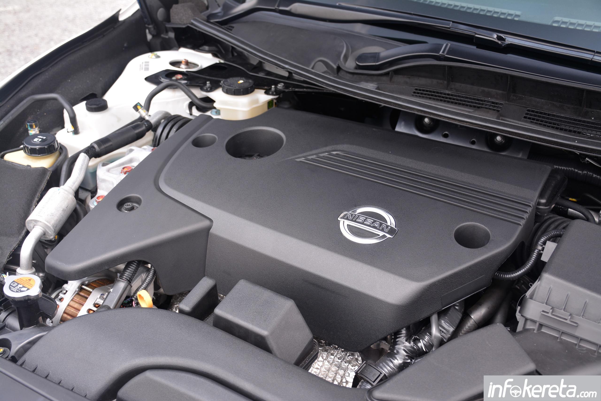 При движении в гору двигатель Nissan Teana не набирает обороты
