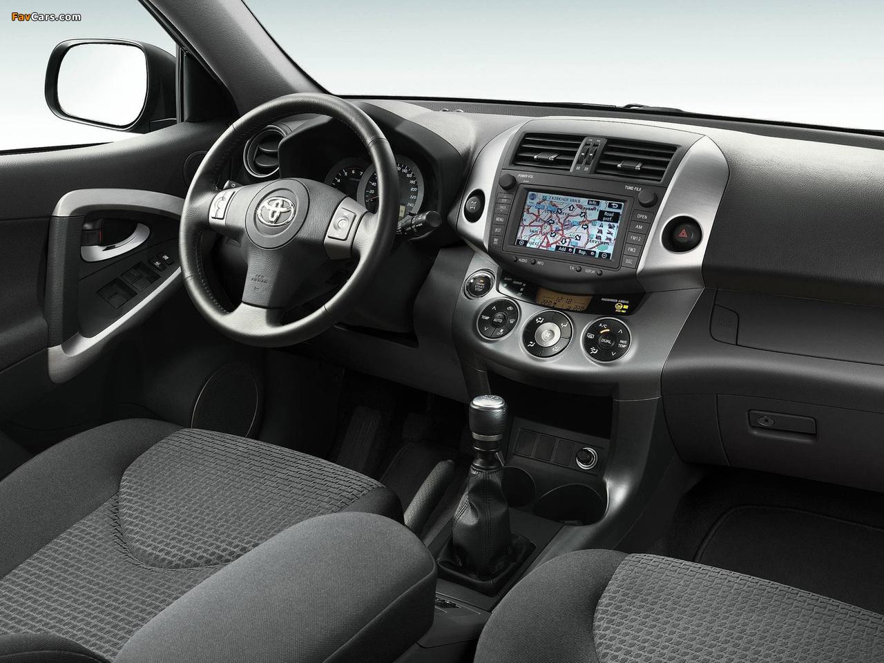 Тугой руль Toyota RAV4 III