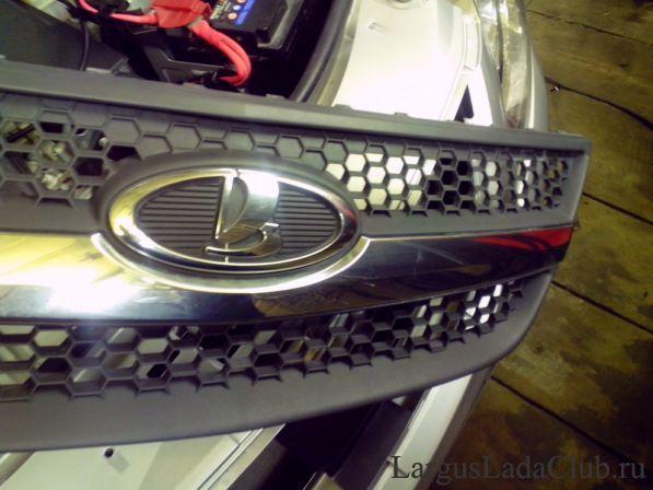 Как установить защитную сетку перед радиатором Opel Astra J GTC?
