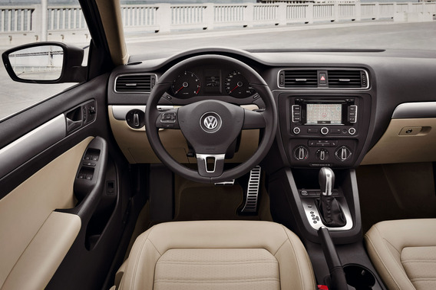 Выводится ли информация «Климатроника» о температуре на дисплей магнитолы на VW Jetta VI?