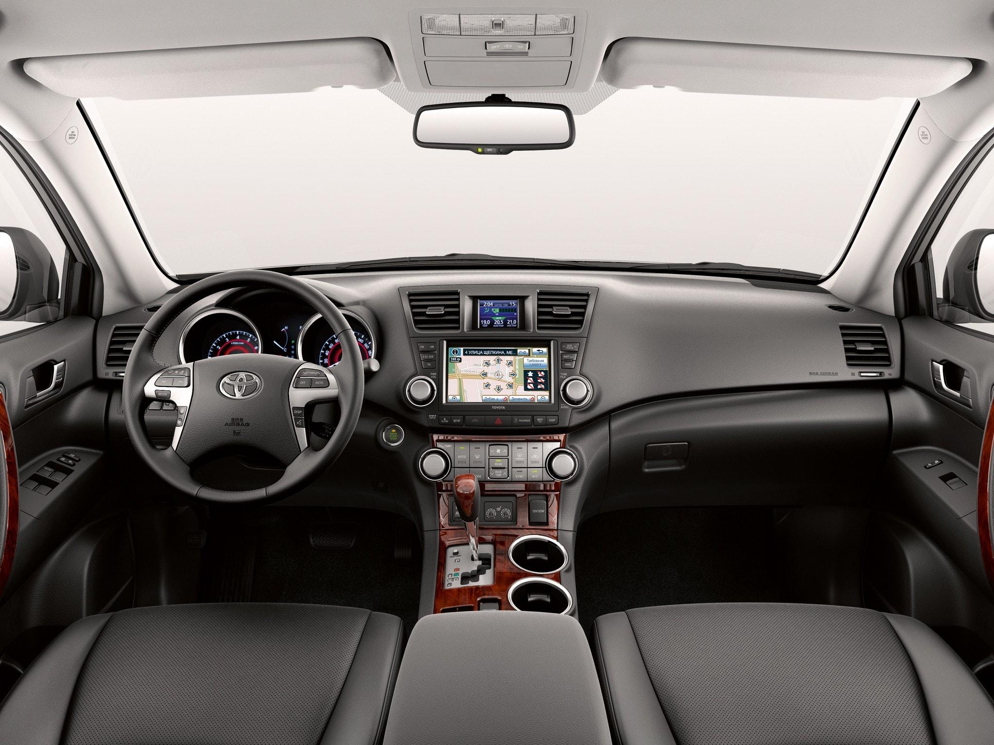 Как погасить лампочку MAINT REQD в Toyota Highlander II