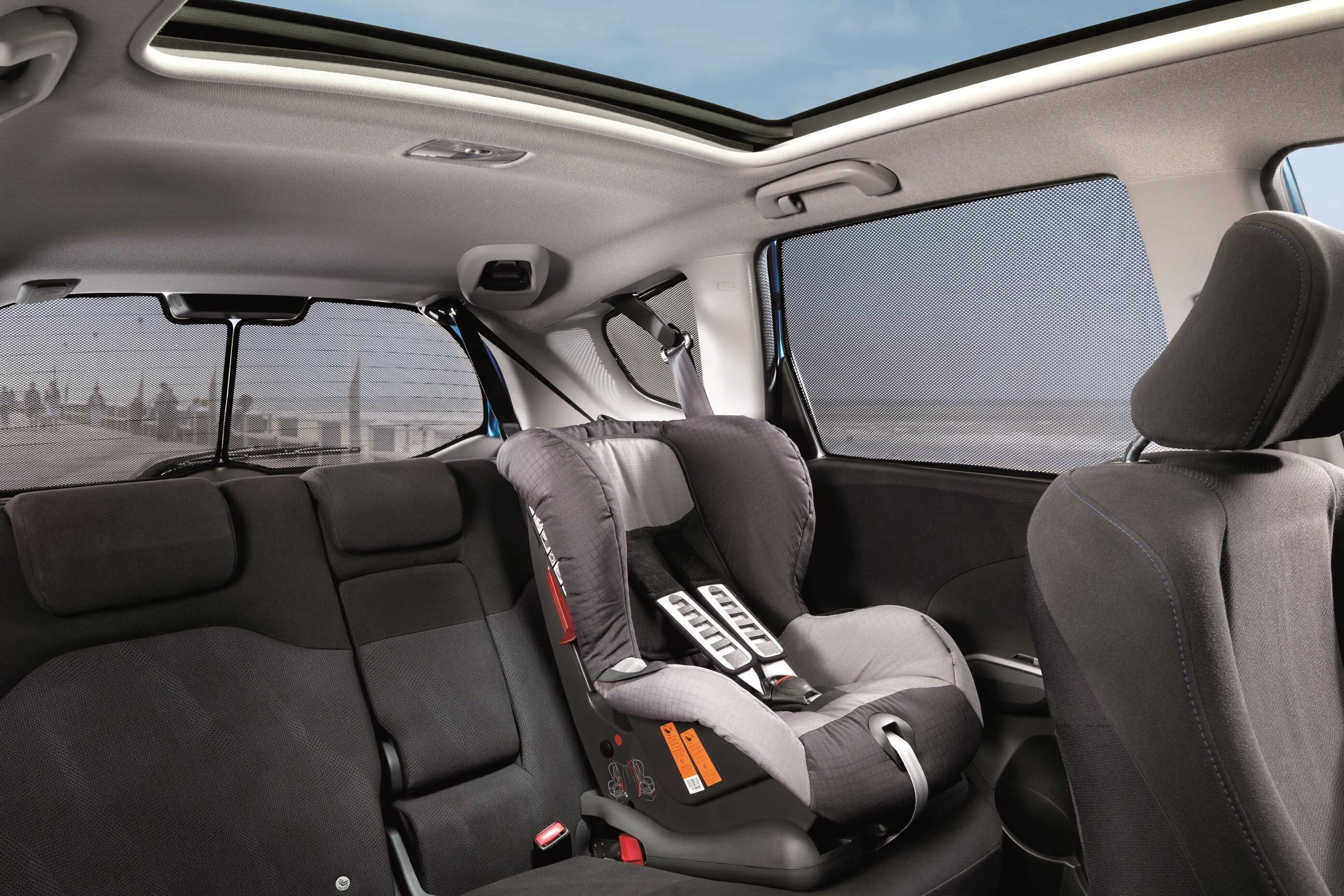Возможна ли в Toyota Highlander II установка детского кресла с креплением Isofix