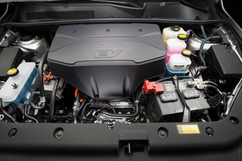 Как правильно тормозить двигателем на Toyota RAV4 III с АКПП?