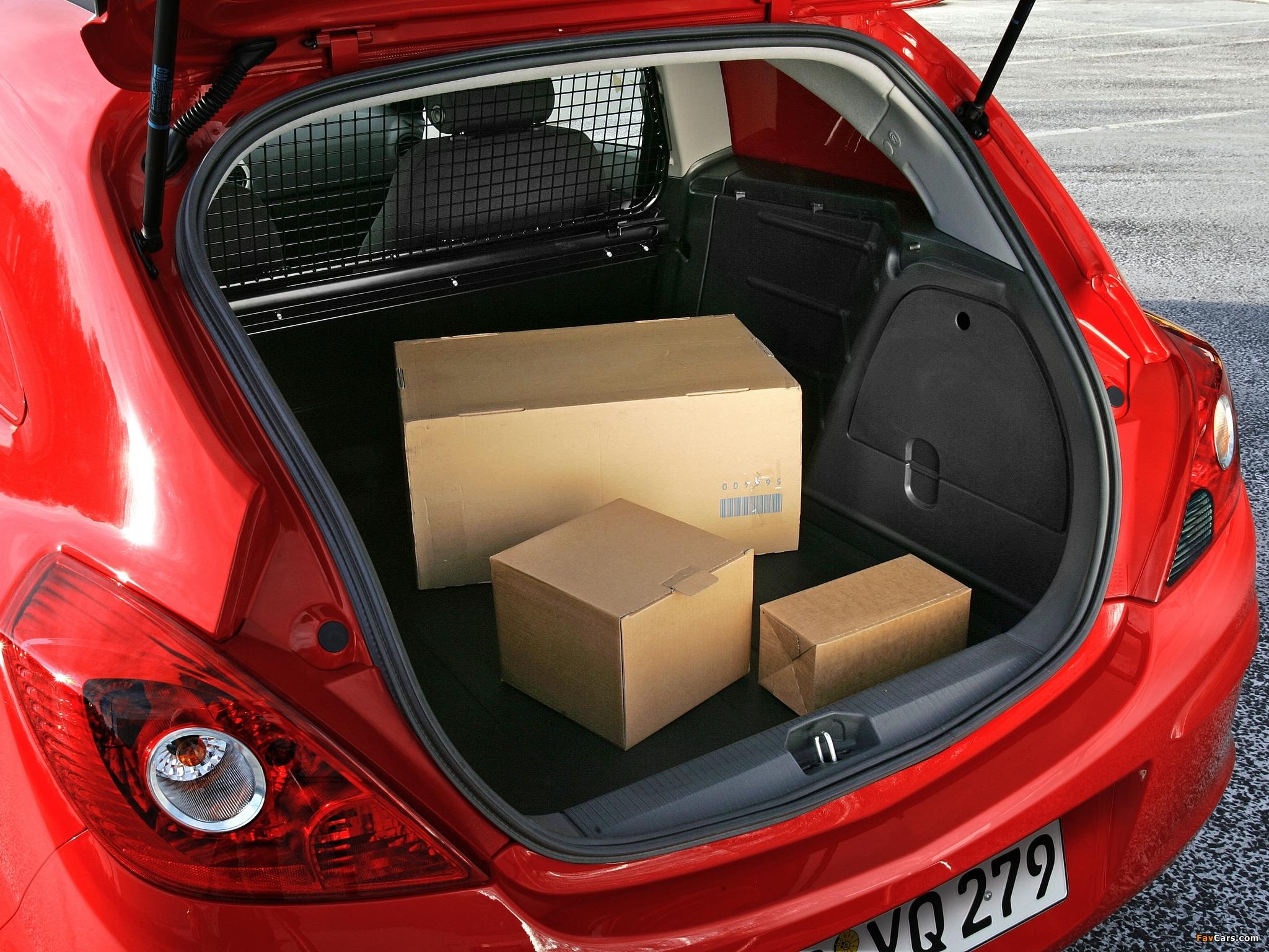 Дребезжит задняя полка в салоне Opel Corsa D