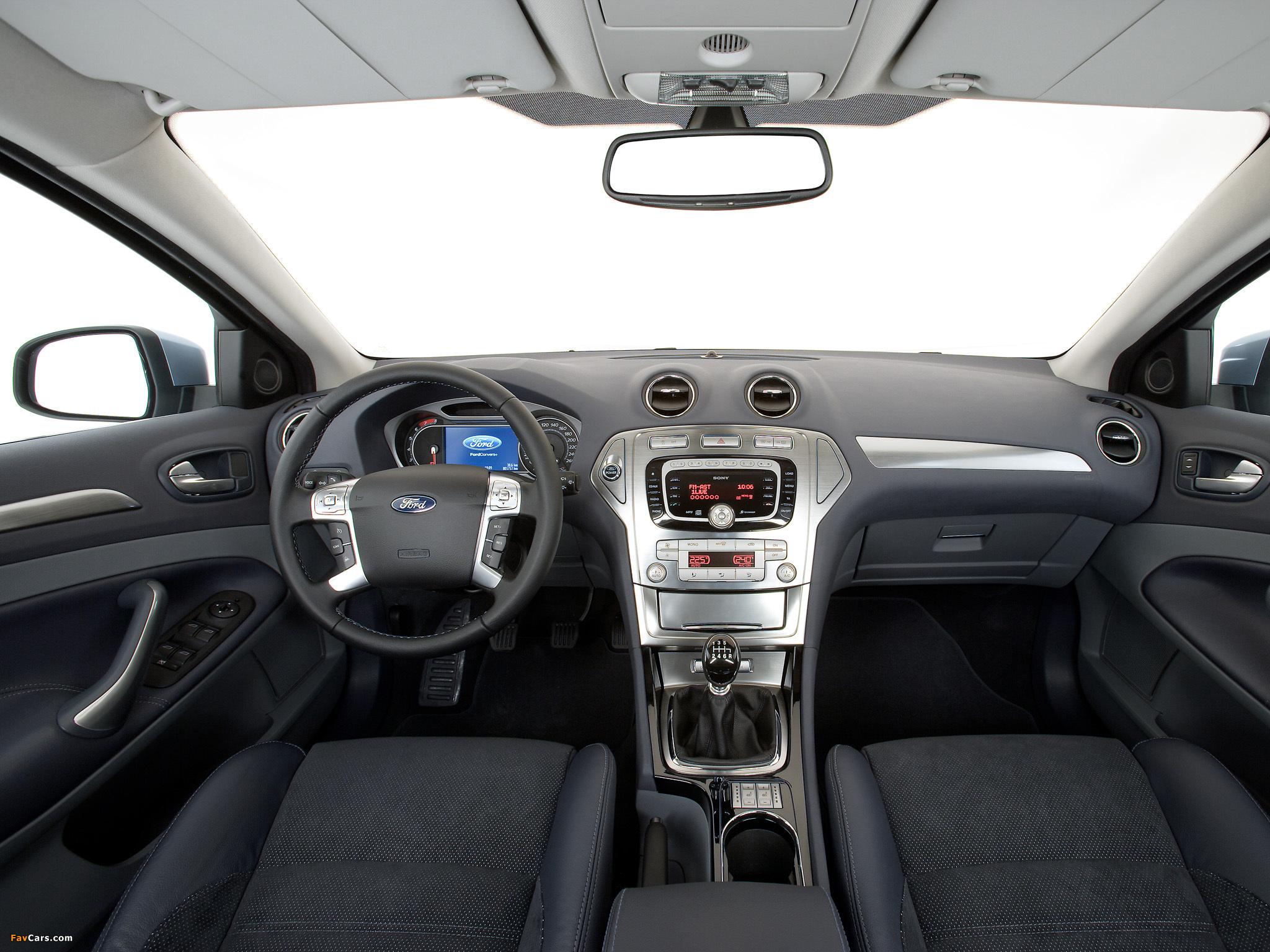 Где находится диагностический разъем Ford Mondeo 4?