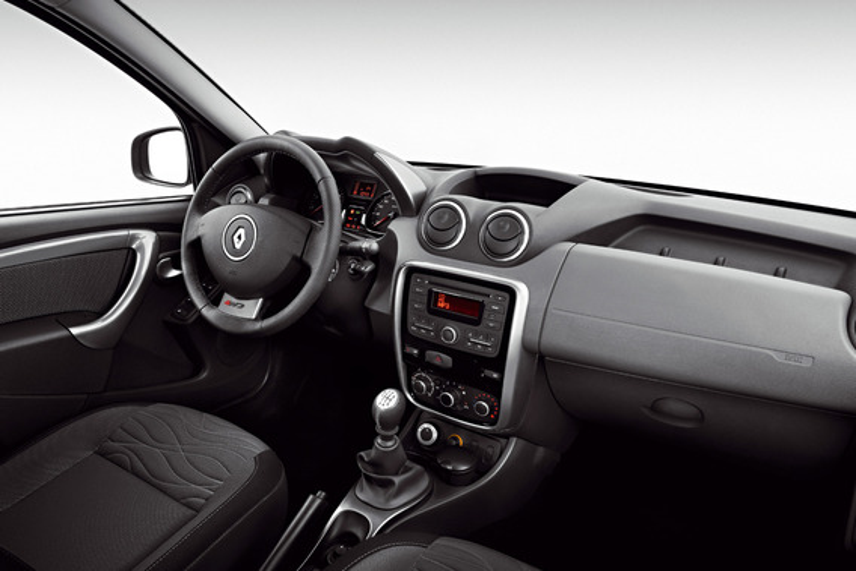 Запах гари в салоне нового Renault Megane III